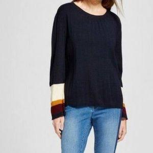 Cliche Women's Color block bell sleevepullover
